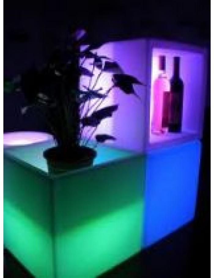 ΦΩΤΕΙΖΟΜΕΝΟΣ ΚΥΒΟΣ-ΤΡΑΠΕΖΙ LED RGB